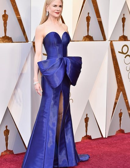 Verbeugt euch vor Nicole Kidman in Armani Privé.