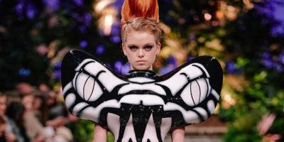 Hoermanseder-Show mit Python, Surprise-Konzert & monatliche Sneaker-Drops: Fashion News der Woche